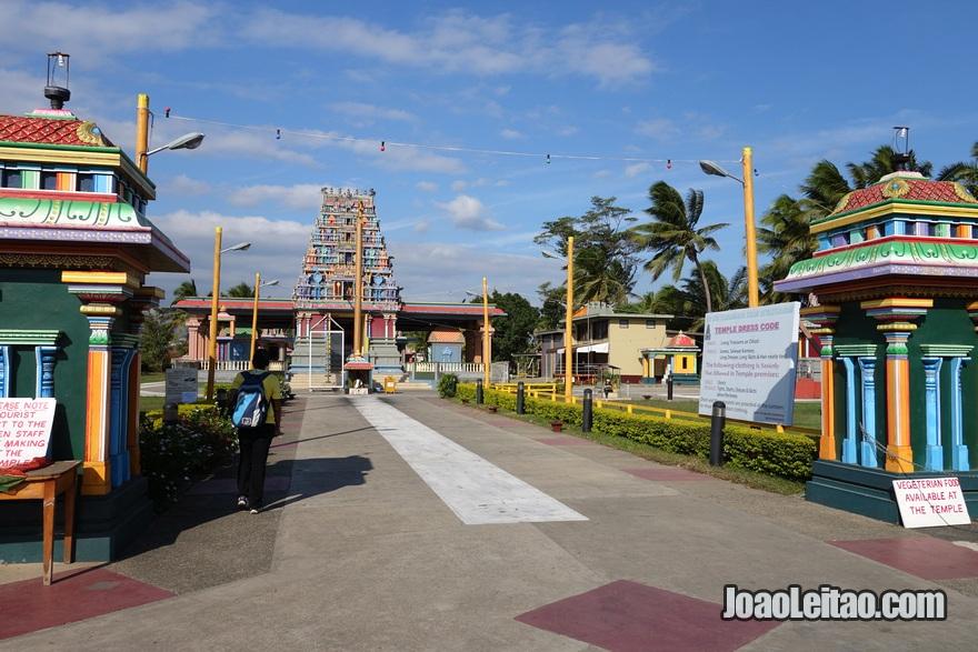 Entrada do Templo hindu de Sri Siva Subramaniya em Nadi