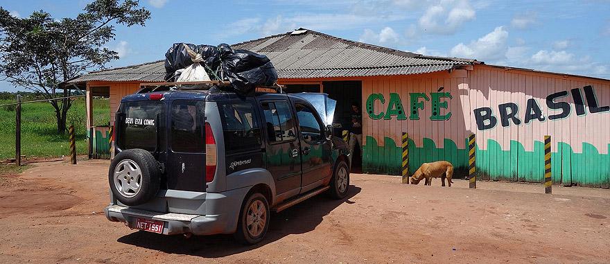 Táxi 4x4 de Oiapoque para Macapá, Brasil