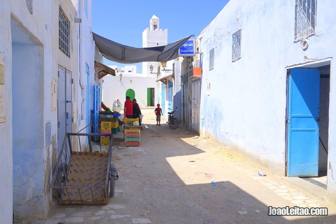 Dentro da Medina de Cairuao, Visitar a Tunisia