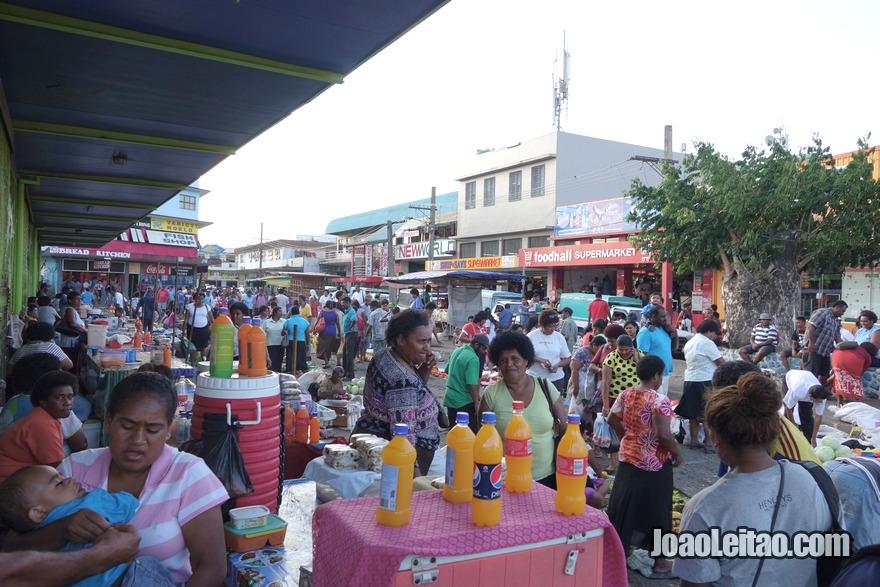 Visitar o mercado de rua no centro de Nadi
