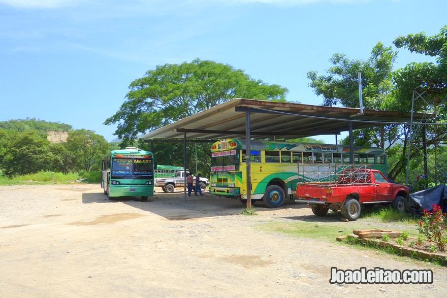 Paragem do Autocarro El Poy até Aguilares, El Salvador