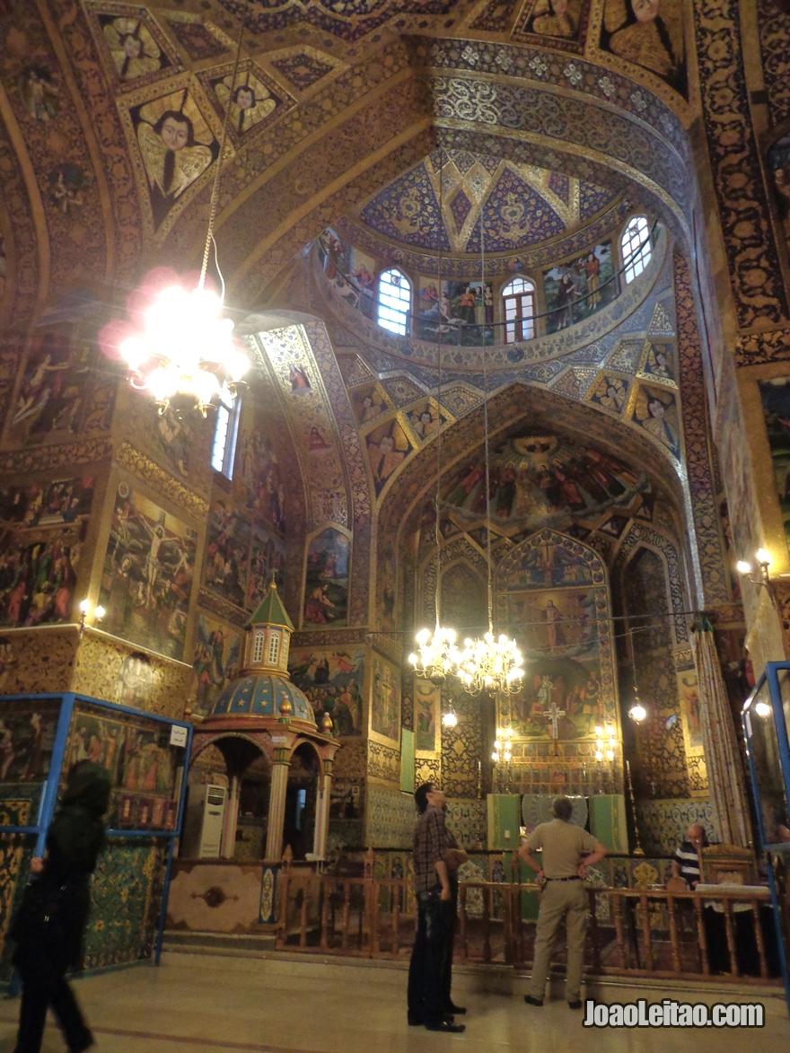 Catedral Cristã de São Salvador em Esfahan no Irão