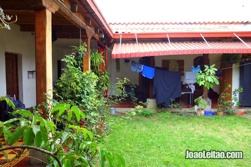 Central patio of Hotel El Pasar de los Años in Antigua