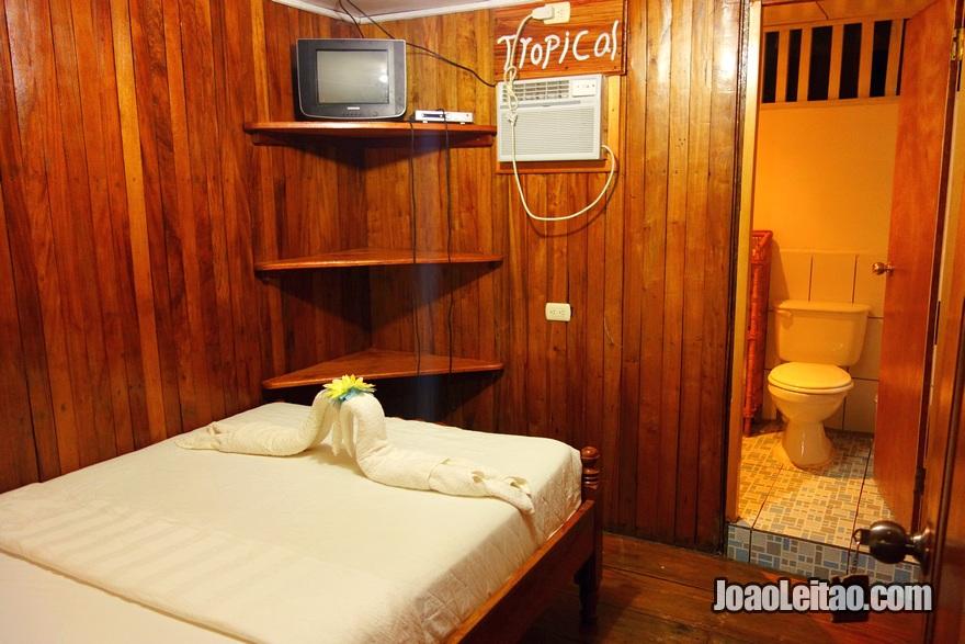 Quarto do Hotel Tropical em El Castillo, Nicarágua