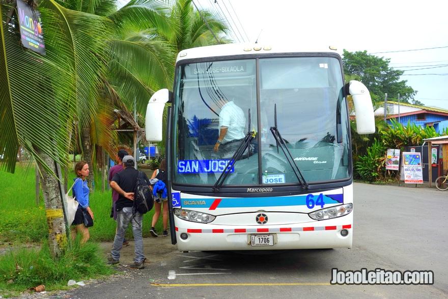 Autocarro Puerto Viejo até San José Costa Rica
