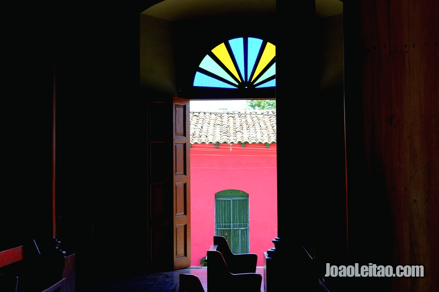 Porta lateral da Igreja de Santa Lúcia de Suchitoto