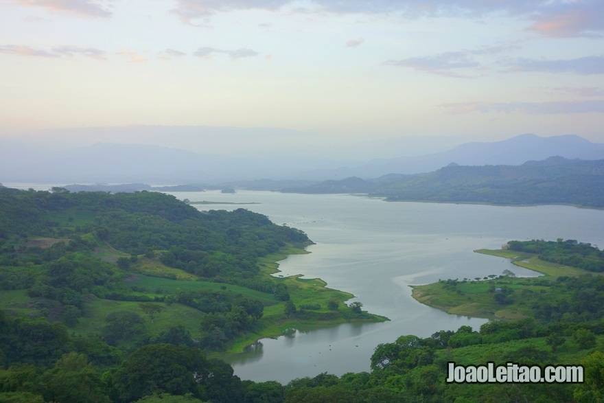 Vista da barragem Cerrón Grande