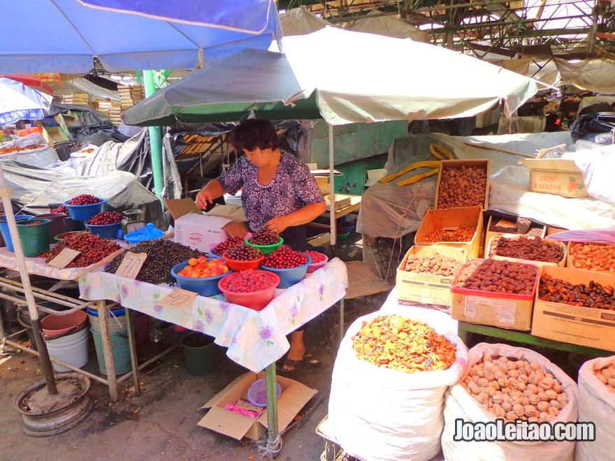 Mercado Osh Bazaar em Bishkek