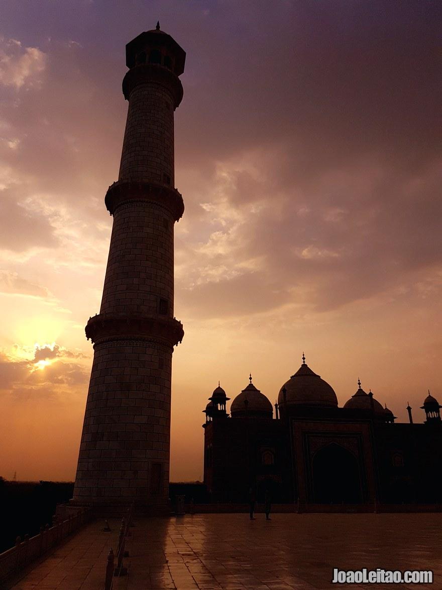 Taj Mahal monumento UNESCO situado na cidade de Agra na Índia