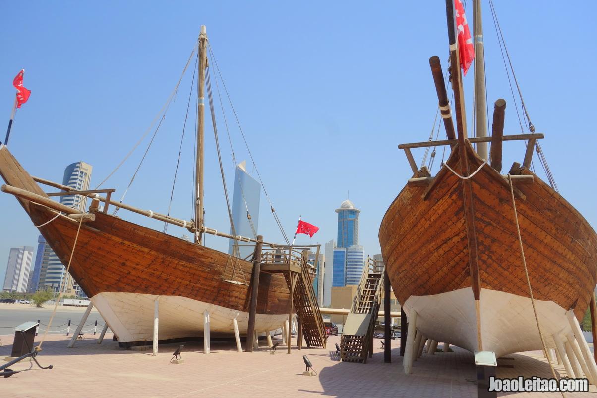 BARCOS TRADICIONAIS NA CIDADE DO KUWAIT