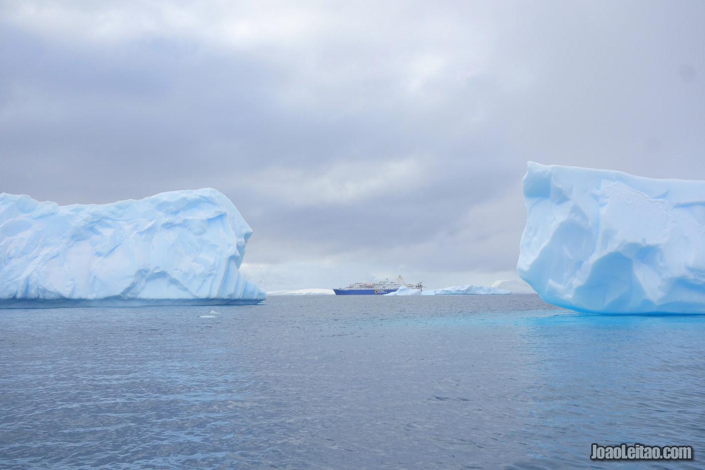 Como é visitar a Antártida em Fevereiro?