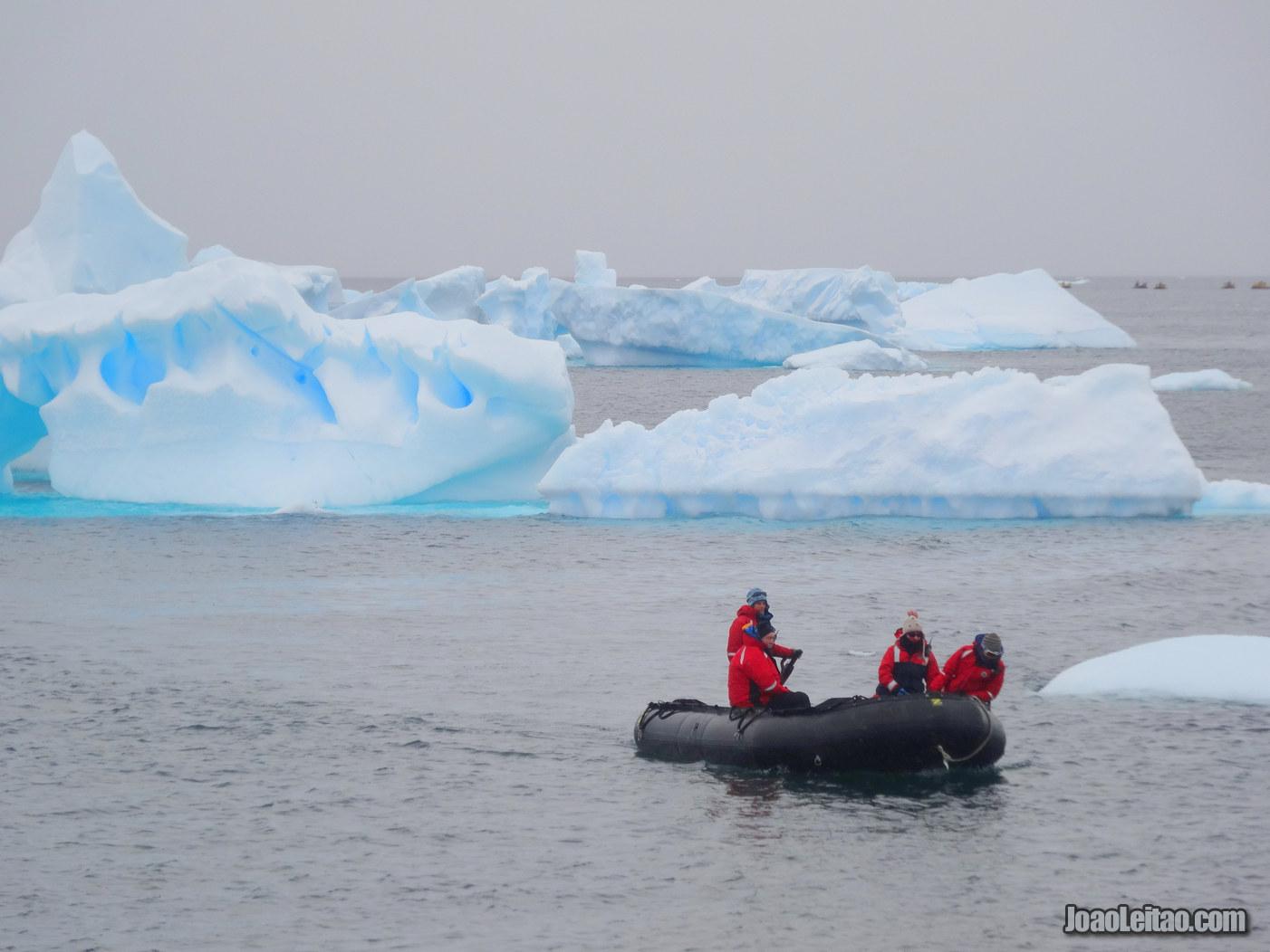 Como é visitar a Antártida em Março?