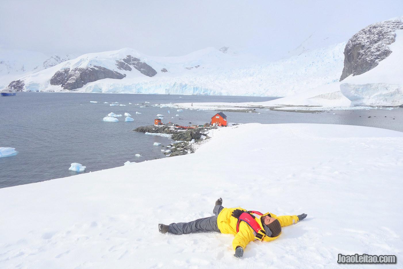 Deslizar na Neve na Antártida