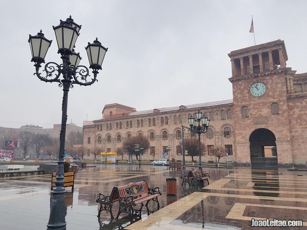 Os mais famosos monumentos em Erevan
