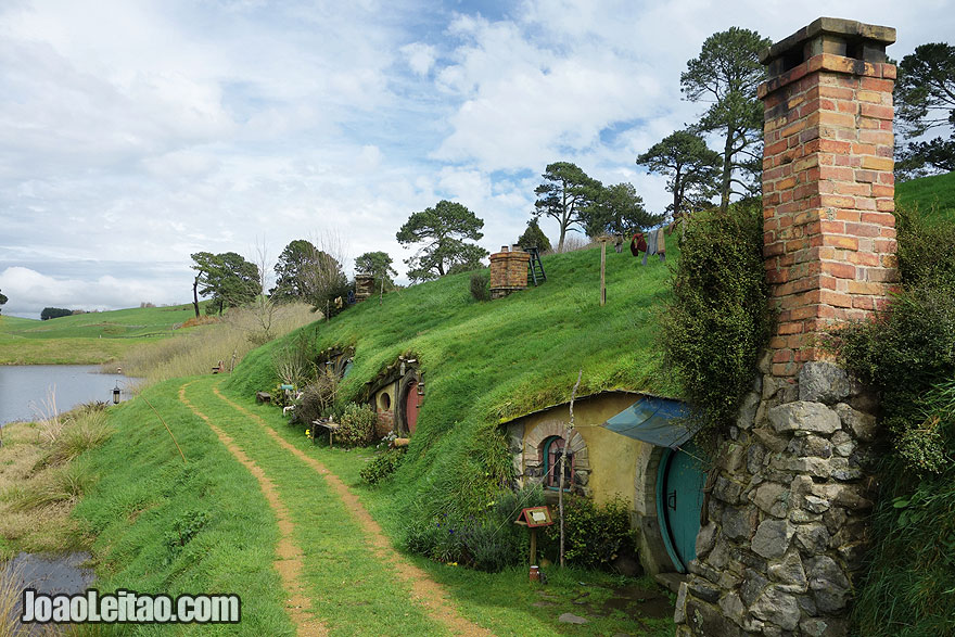 Visit Hobbiton Movie Set New Zealand