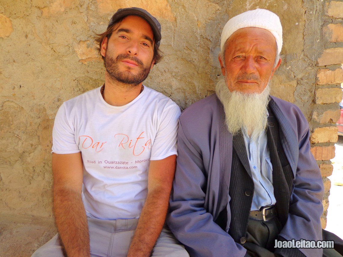 Making friendship with a local Uzbek mullah