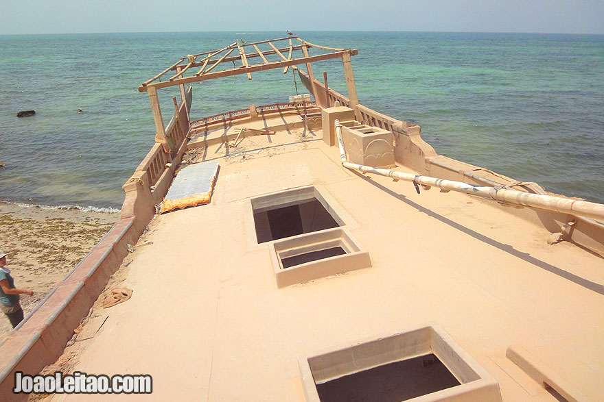 Visit Abandoned boats in Ras-Hilf in Oman