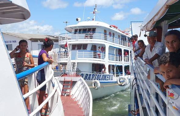 70 tips to travel the Amazon River by boat