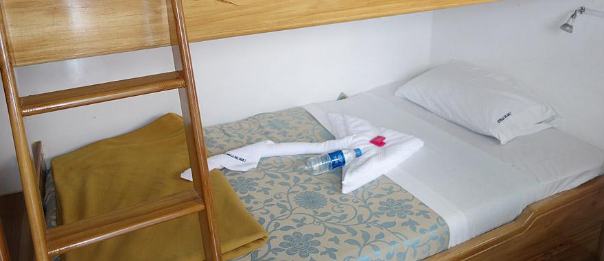 Bedroom of Estrella del Mar Galapagos Cruise