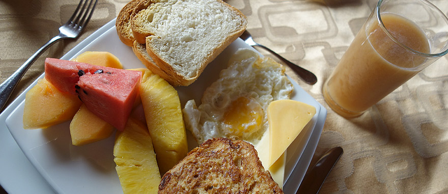 Breakfast of Estrella del Mar Galapagos Cruise