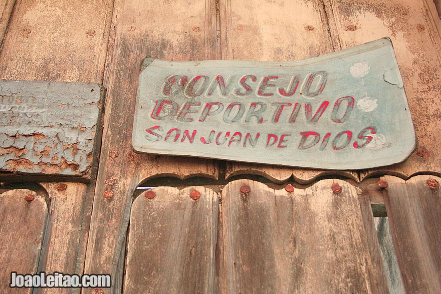 Door sign of Consejo Deportivo San Juan de Dios