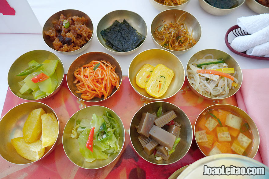 Traditional Korean pansanggi is a set of dishes for a table that ranges from 5 to 11 different dishes without counting boiled rice and soup.