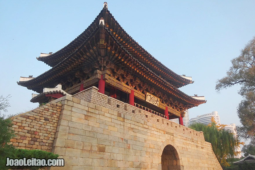 Taedongmun built in mid-6th century was the East gate of the walled city of Pyongyang.
