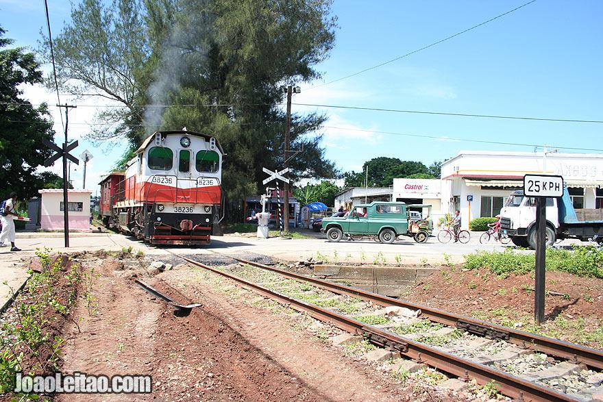 Train tracks in Santa Clara