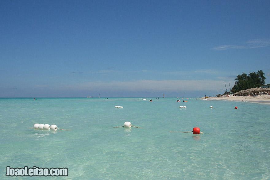 As águas cristalinas e a praia de areia branca de Varadero