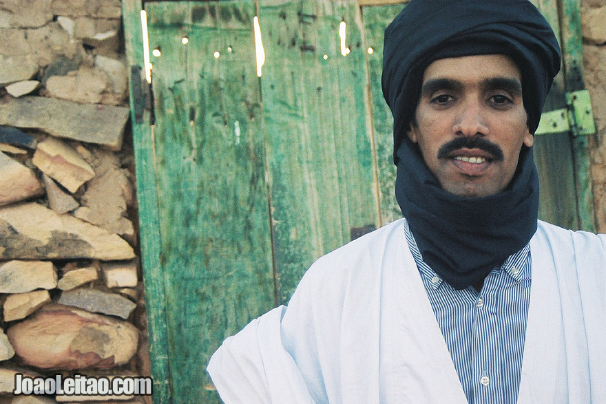 Photo of man with black turban in Chinguetti, Islamic Republic of Mauritania