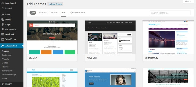 Installing a free WordPress theme