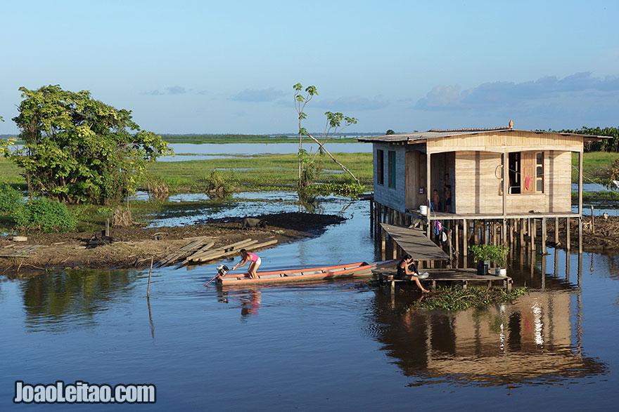 Casa no Rio Amazonas