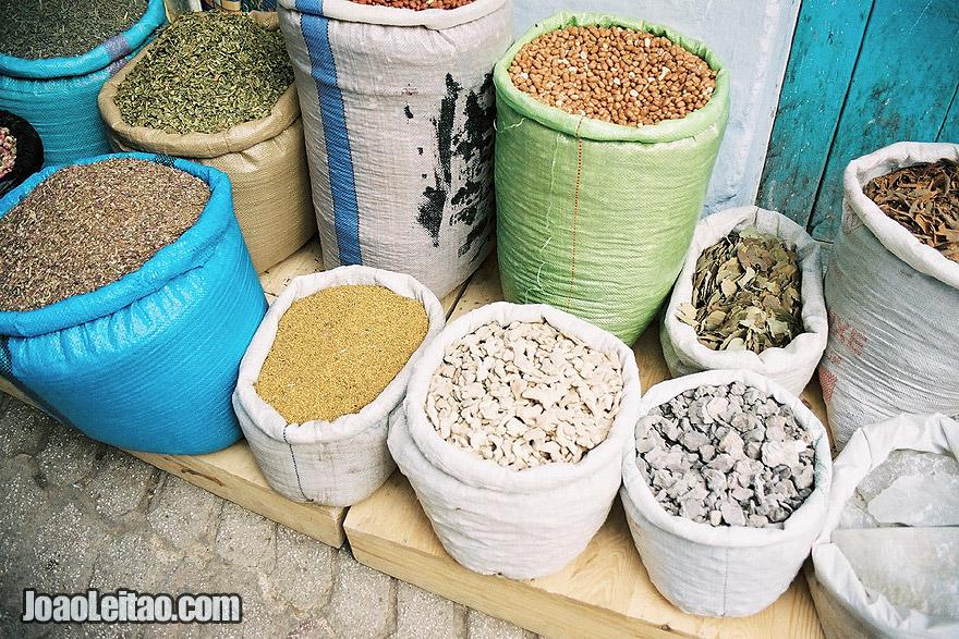 Especiarias à venda em Chefchaouen