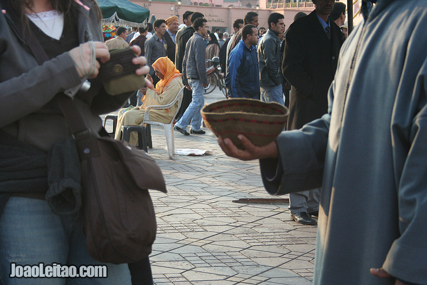 Give money in Marrakesh
