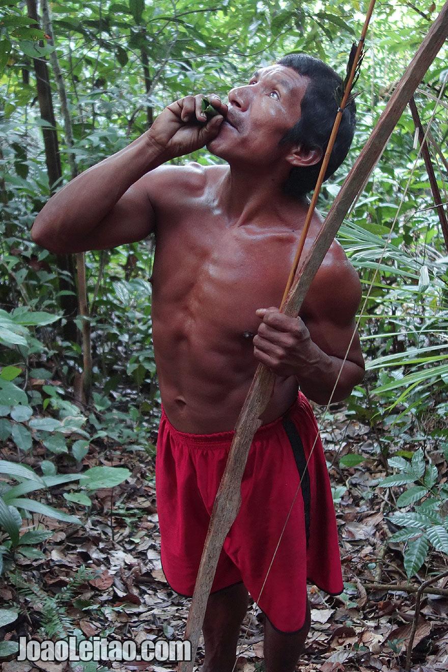 Surviving in the Amazon rain forest, Tatuyo Brazilian tribe