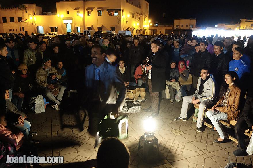 Músicos na Jemaa el-Fna em Marraquexe