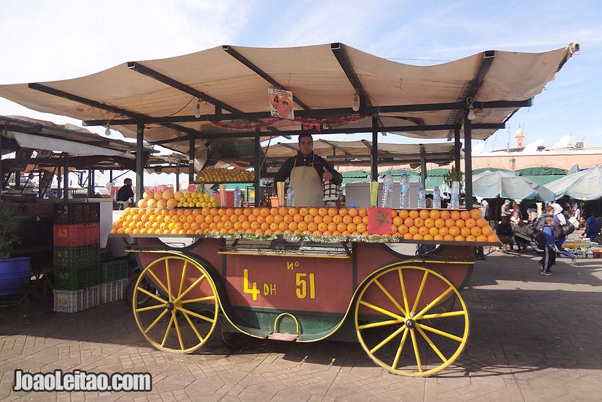 Bancas de sumo de laranja em Marraquexe