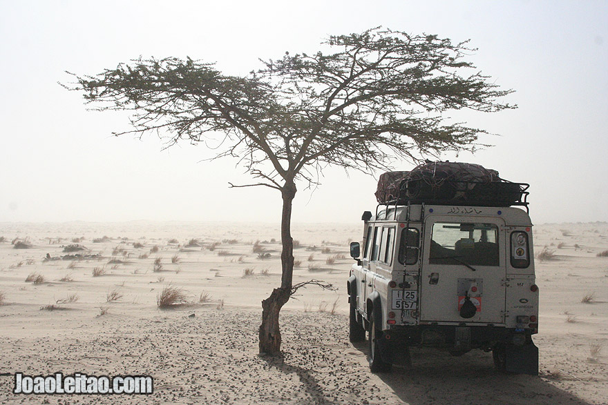 Driving to Tmeimichat in Mauritania