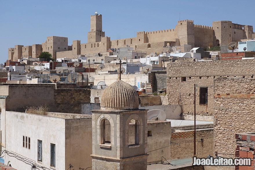 Cidade de Sousse, na Tunísia