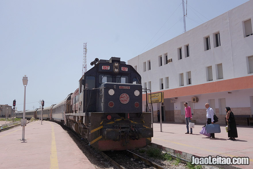 Comboio de Sfax para El Jem
