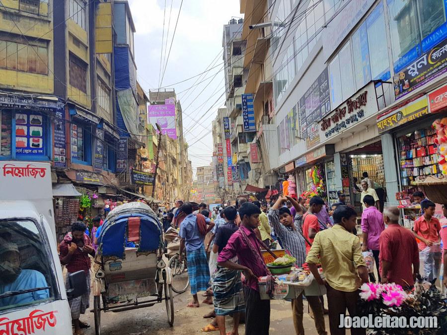 Babu Bazaar in Dhaka