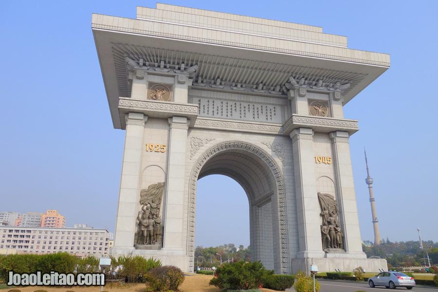Arco do Triunfo - Pyongyang