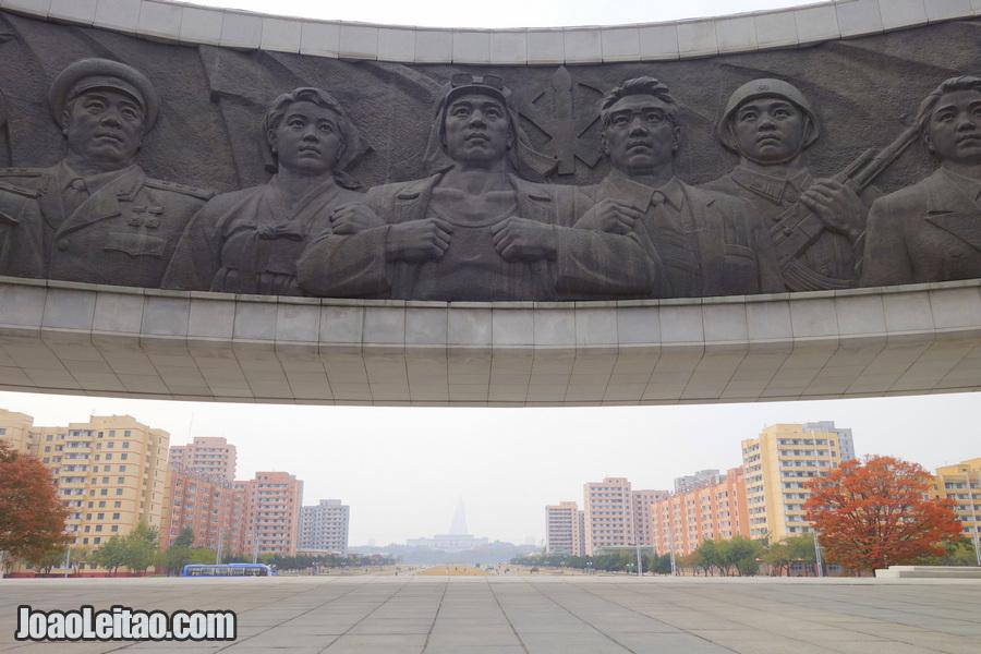 Monumento em honra da Fundação do Partido - Pyongyang