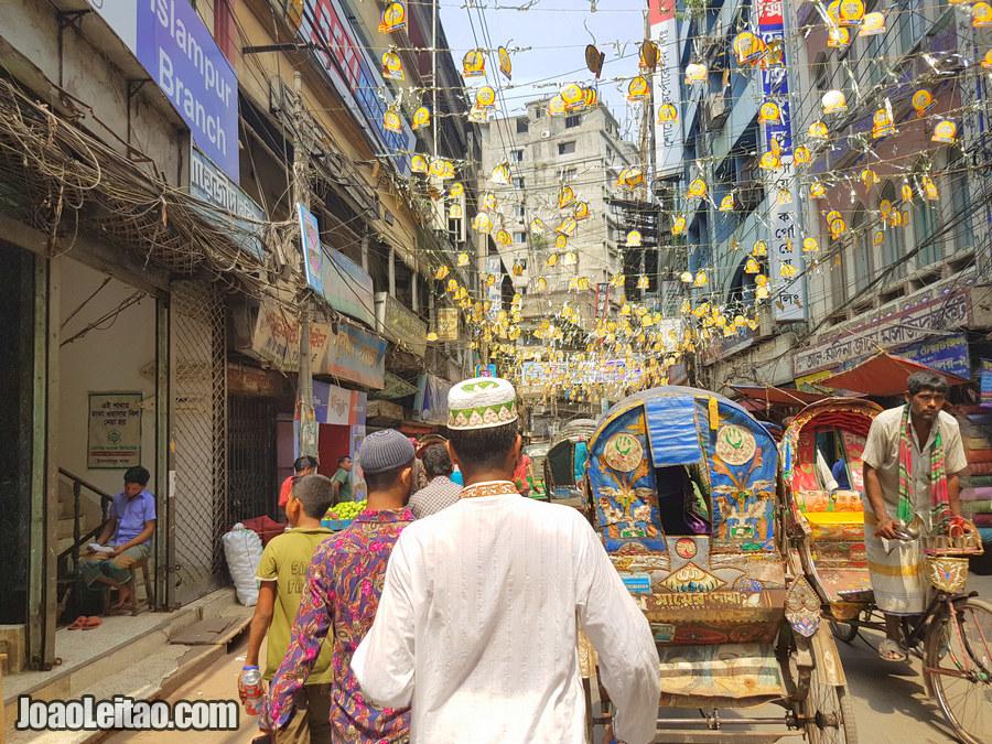 Busy street of Babu Bazaar - Visit Dhaka