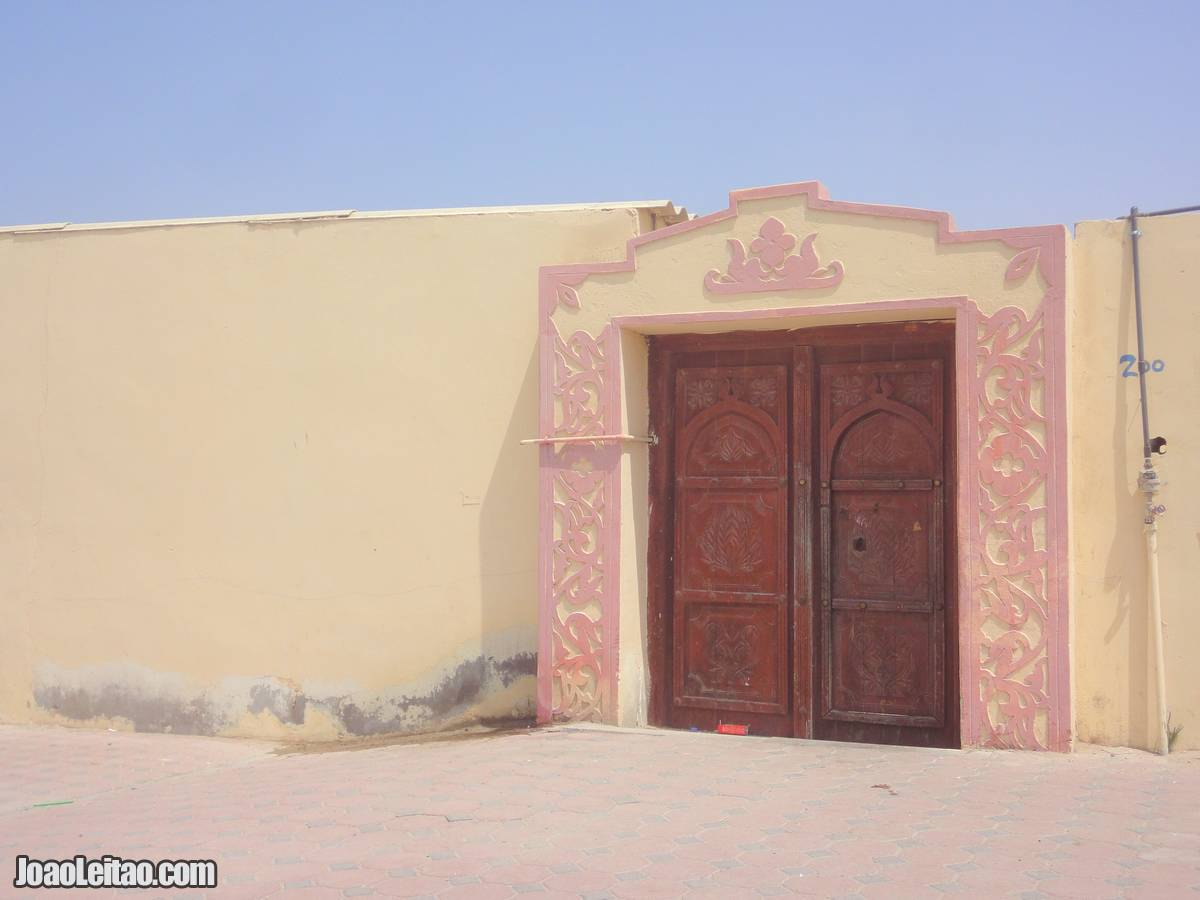 DECORATED DOOR AT RAS-HILF MASIRAH OMAN