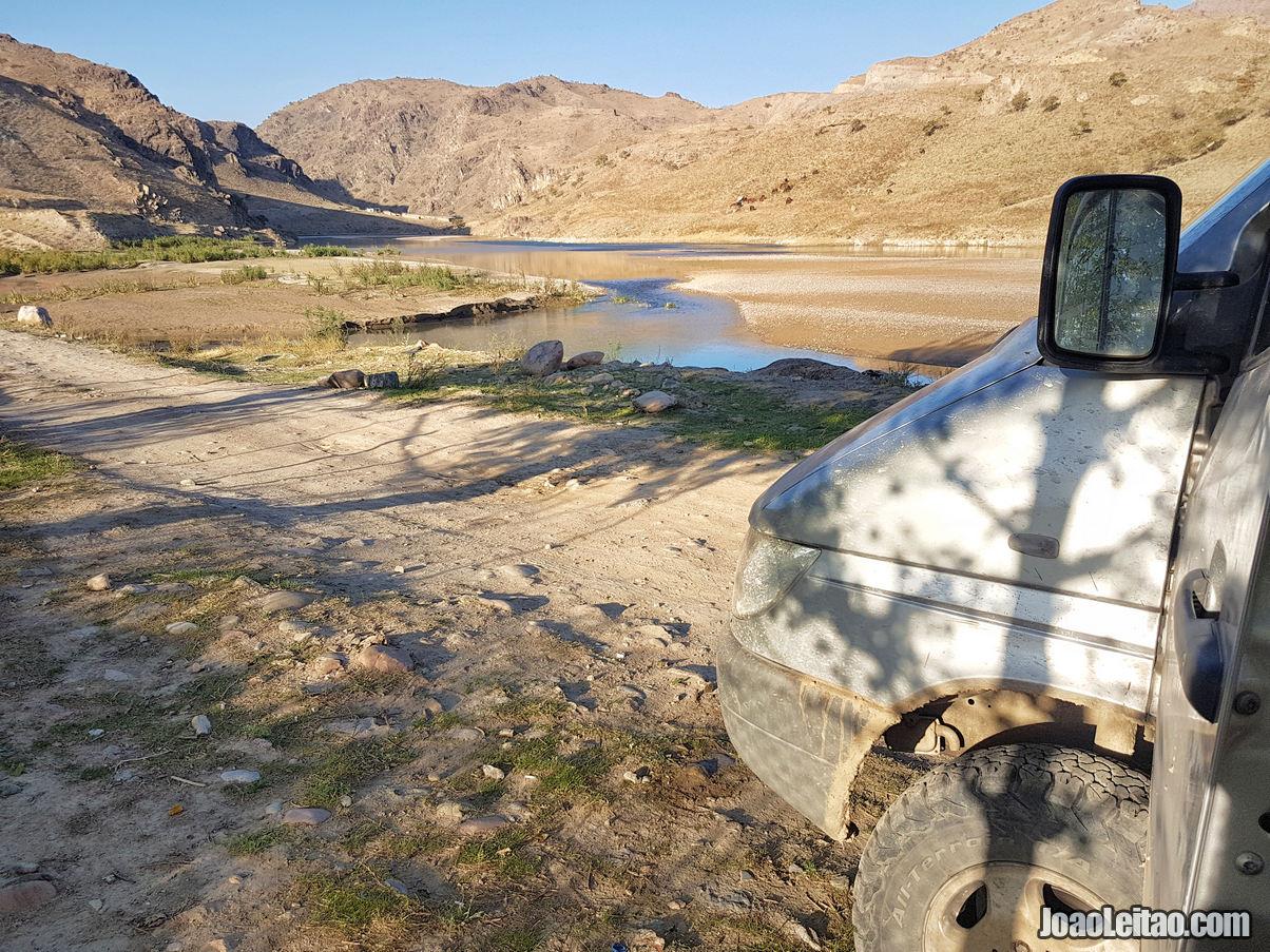 Paragem para almoco na estrada para a Reserva Natural de Sary Chelek