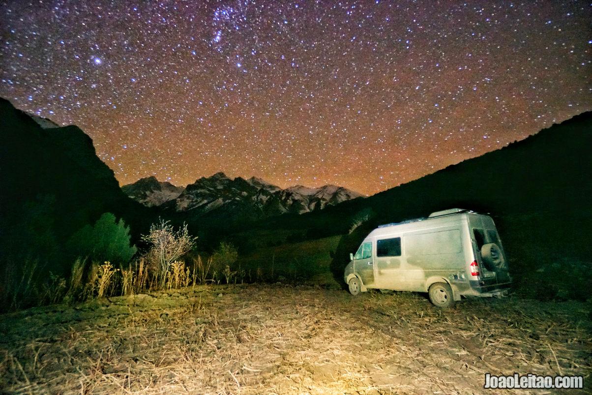 Passando a noite no Parque Nacional Kyrgyz Ata
