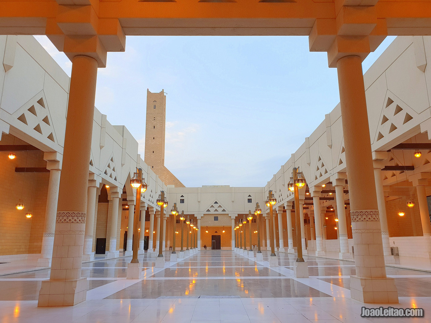 MOSQUE IN RIYADH - SAUDI ARABIA