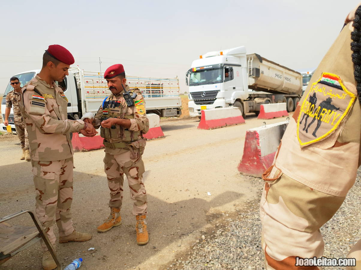 ARMY CHECK POINT IRAQ