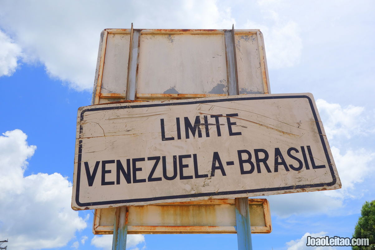Crossing the border from Venezuela to Brazil